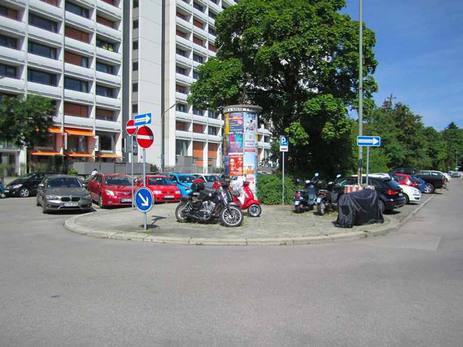 Möglicher neuer Standplatz an der Südseite des beiderseitigen Parkstreifens an der Winterthurer Straße